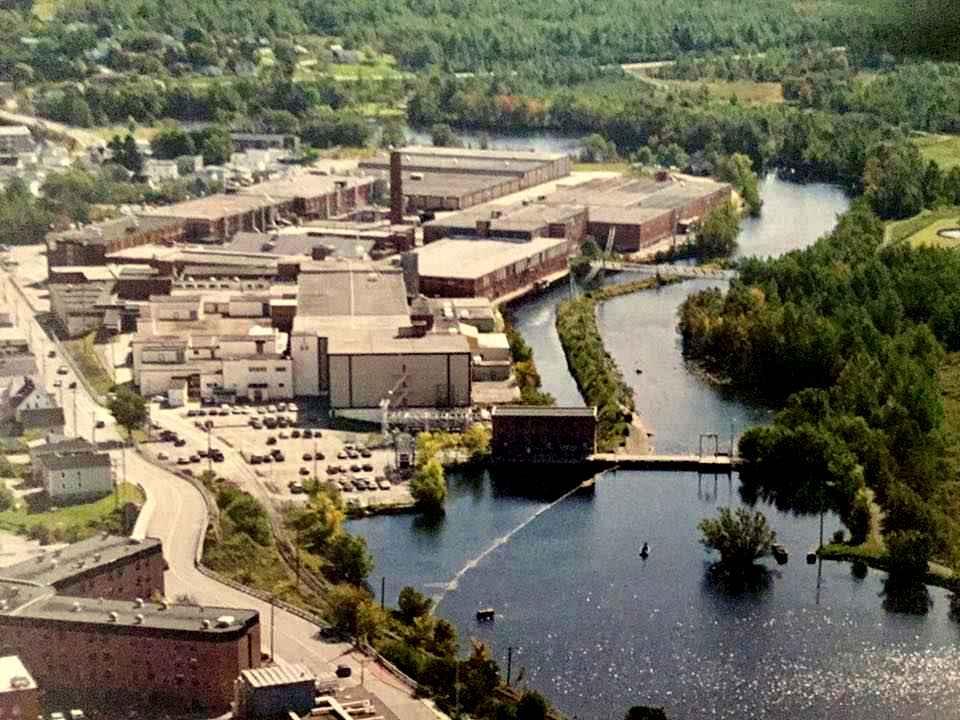 Complexe industriel de l'Ancienne Dominion Textile à Magog