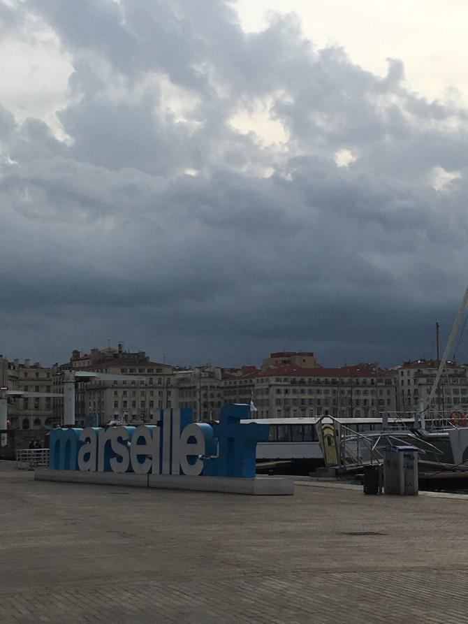 Marseille.fr, le Vieux-Port de Marseille sous les nuages