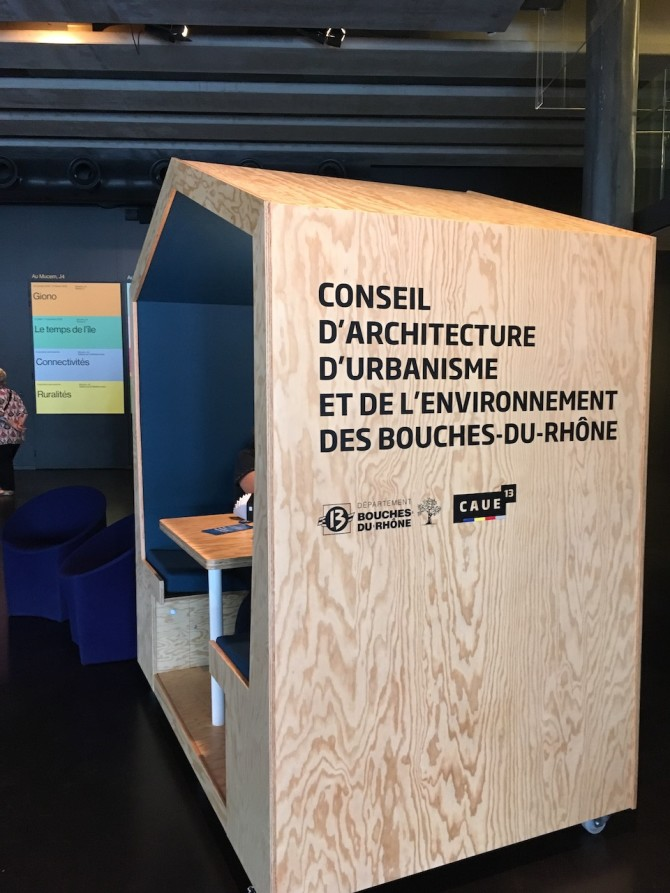 Le Mucem, lors des journées nationales de l'architecture du 18 au 20 octobre, le Mucem accueillait le CAUE 13 (Conseil d'architecture d'urbanisme et de l'environnement) qui offrait des consultations avec un architecte.
